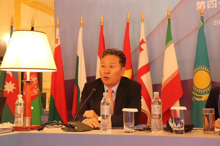손명수 국토교통부 철도국장이 7일 키르기스스탄 비슈케크에서 열린 국제철도협력기구(OSJD) 장관회의에 참석해 발언하고 있다. 이날 한국은 북한의 찬성표를 이끌어 내며 OSJD 정회원에 가입했다. 사진/국토교통부
