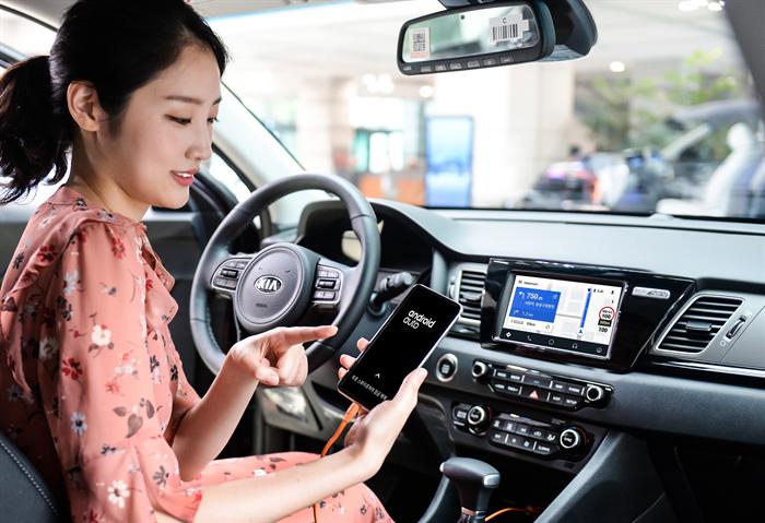 현대기아차는 구글의 '안드로이드 오토'를 모든 차종에 적용한다. 사진/현대기아차
